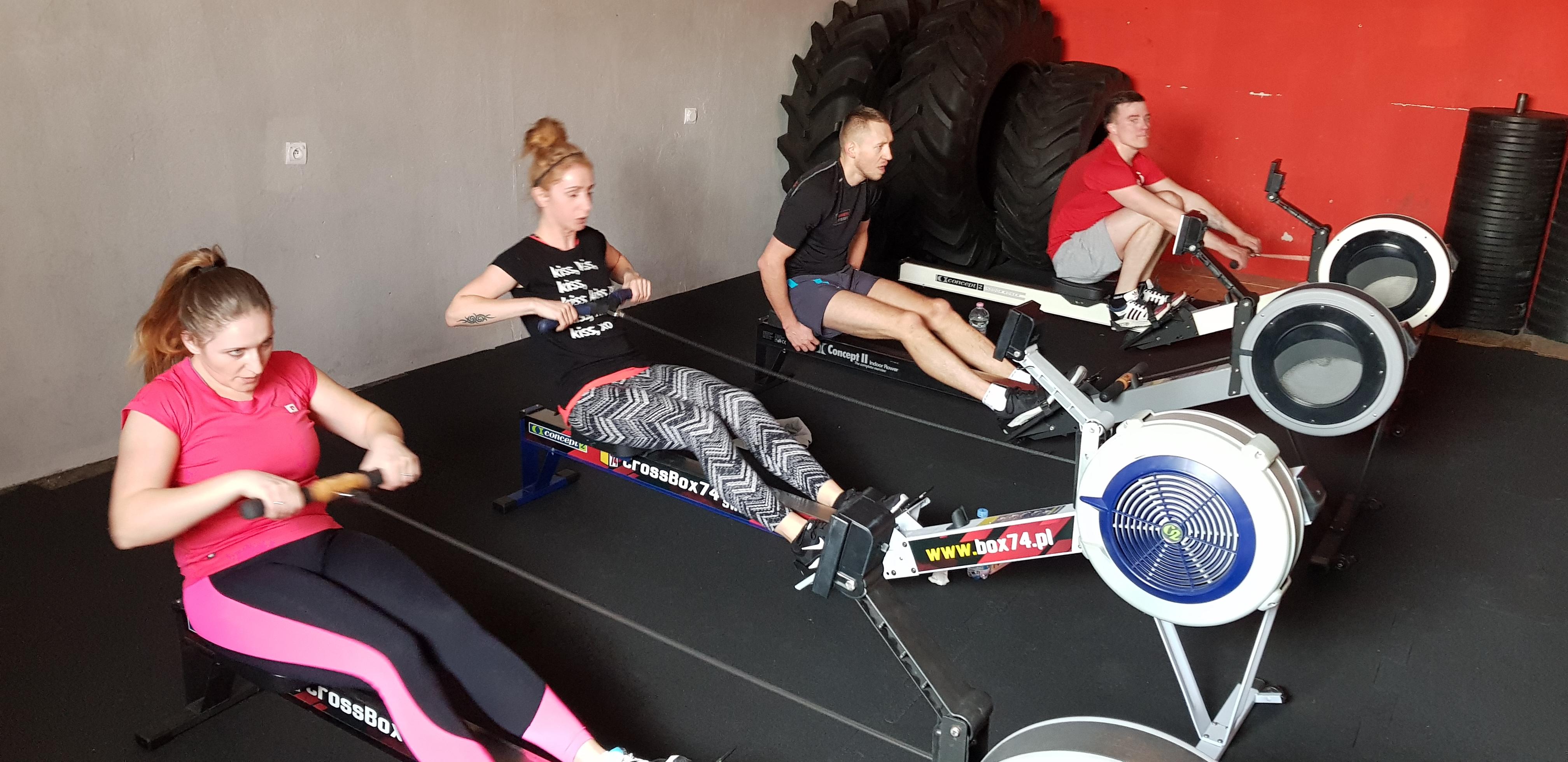 świdnica trening grupowy fitness świdnica zajęcia trener personalny świdnica wiosłowanie ergometr świdnica